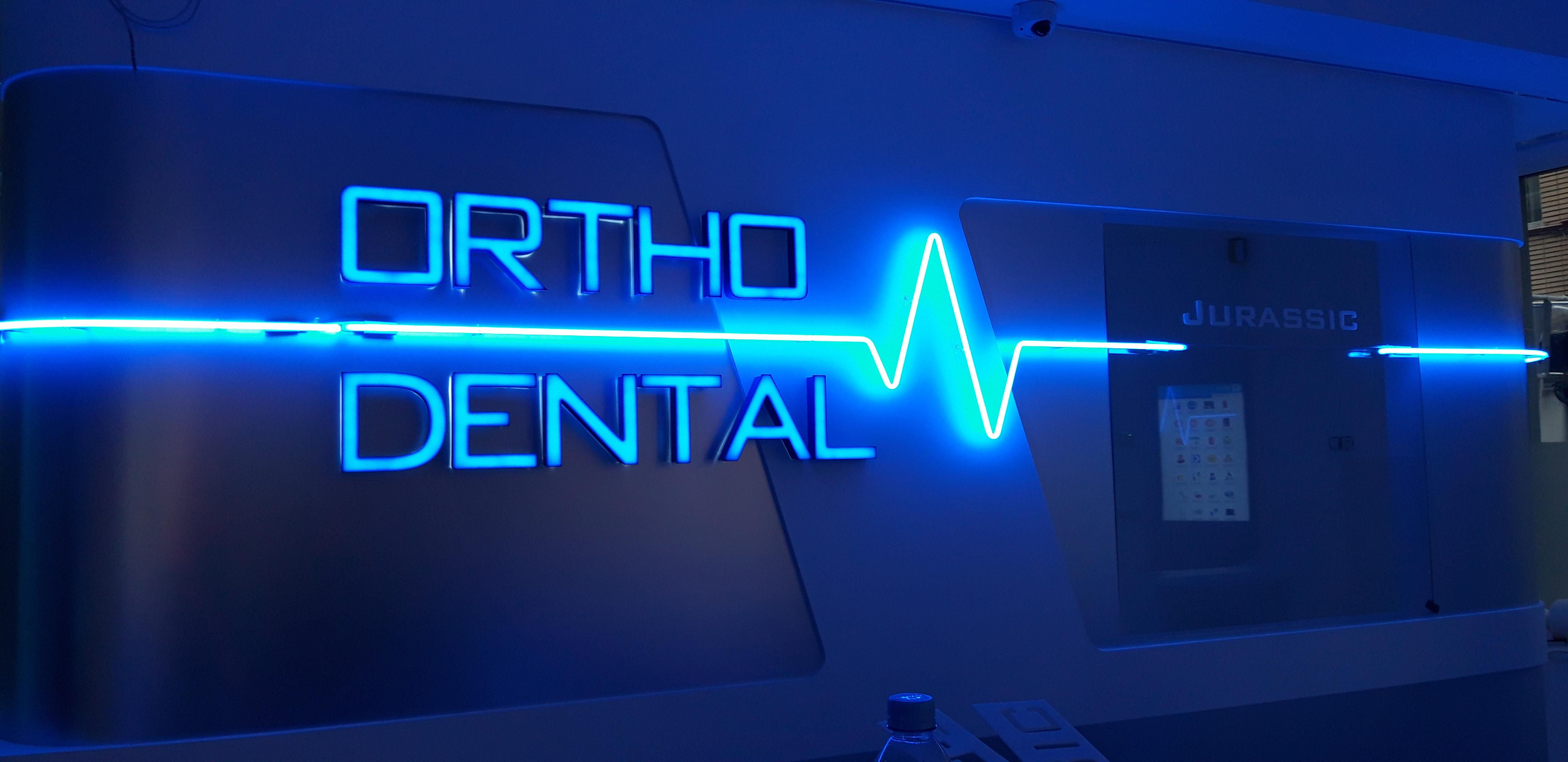 Enseigne et croix de pharmacie - Ortho Dental