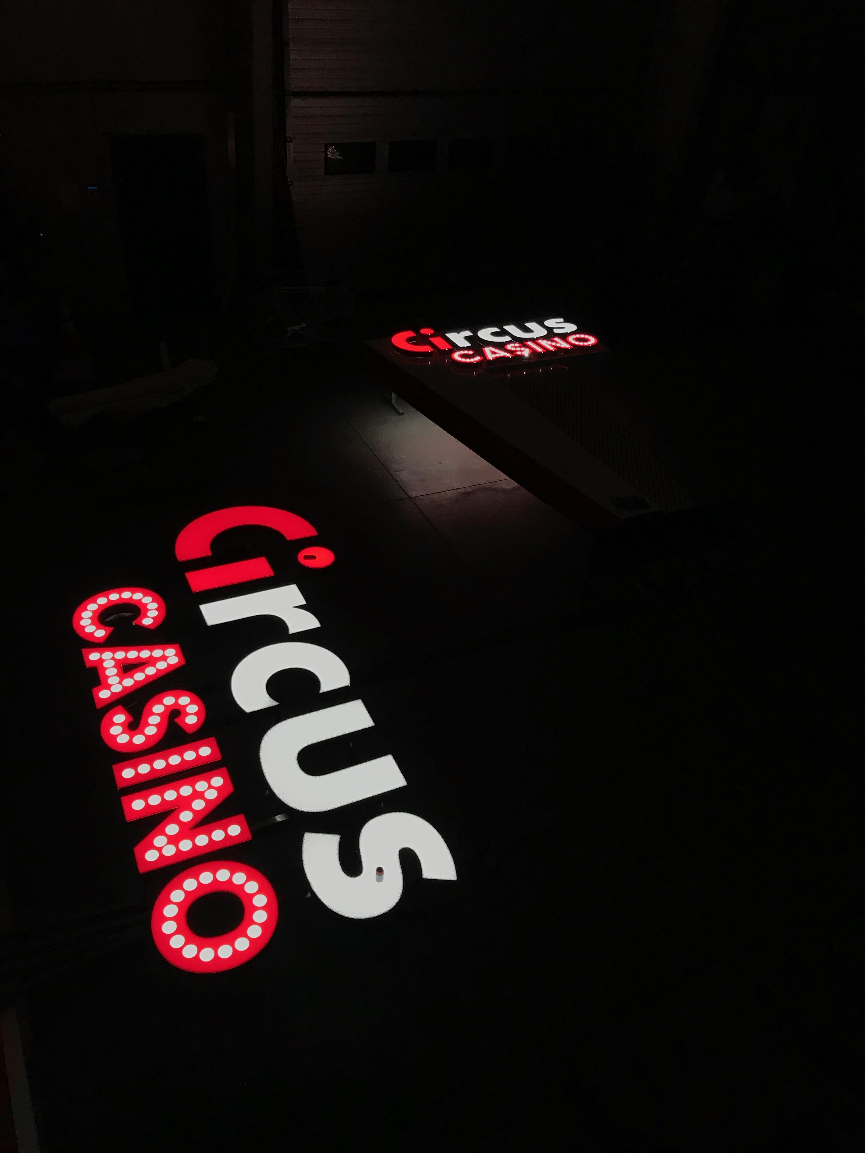 Lettres en relief Circus Casino