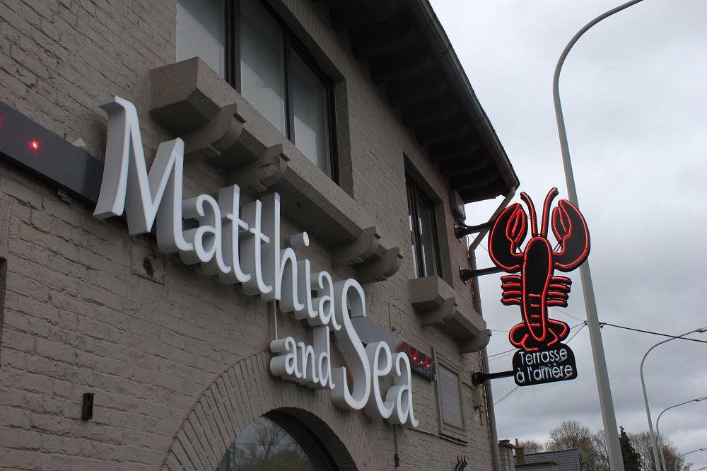 Matthias & sea