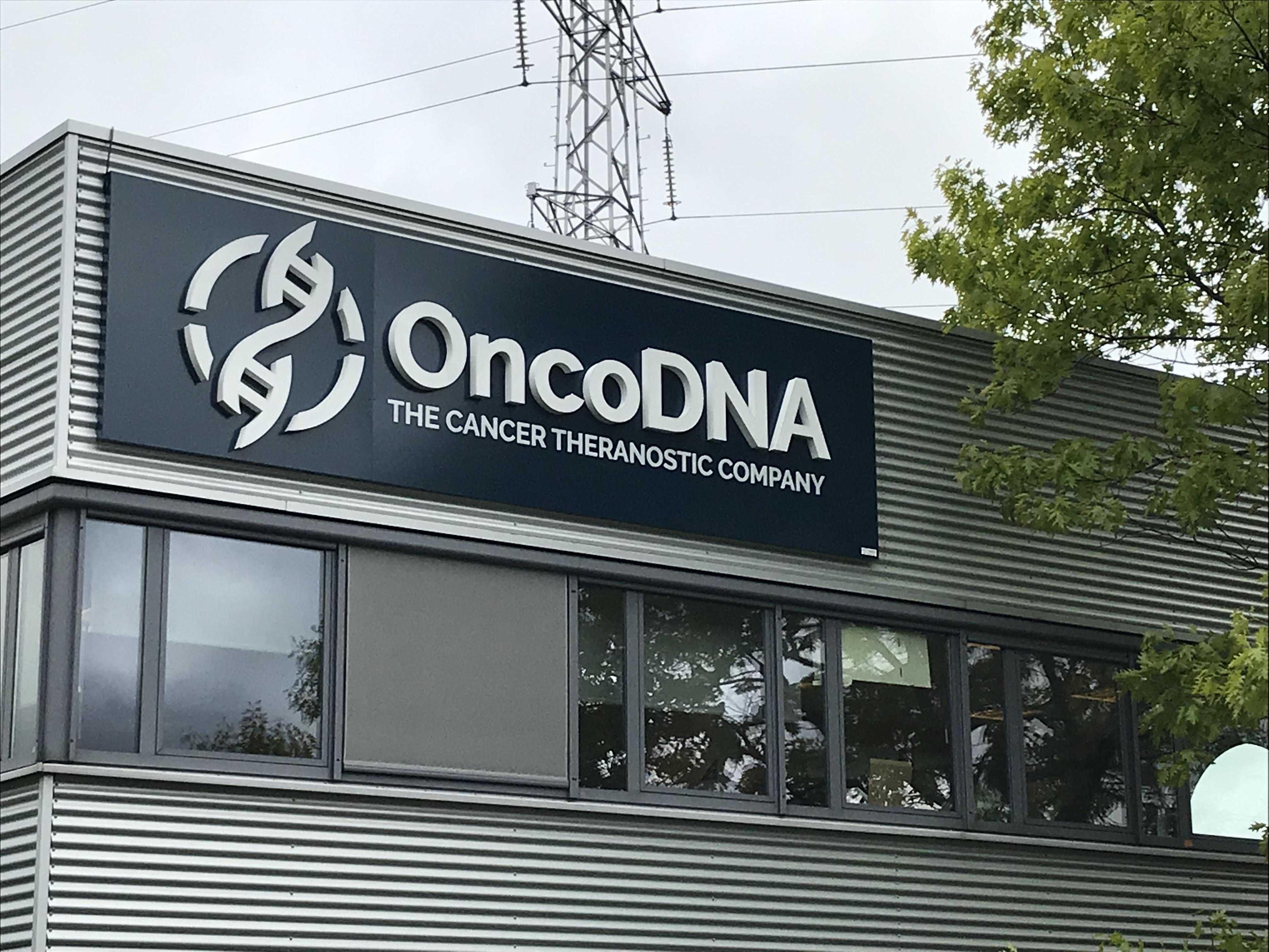 Enseigne et croix de pharmacie OncoDna Gosselies