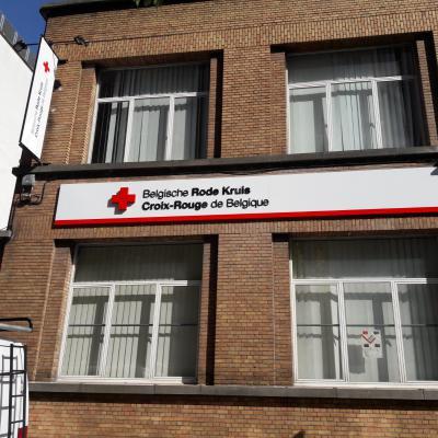 Enseigne et croix de pharmacie - Croix rouge