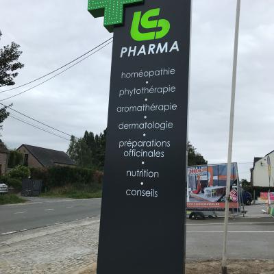 Enseigne et croix de pharmacie - LS Pharma