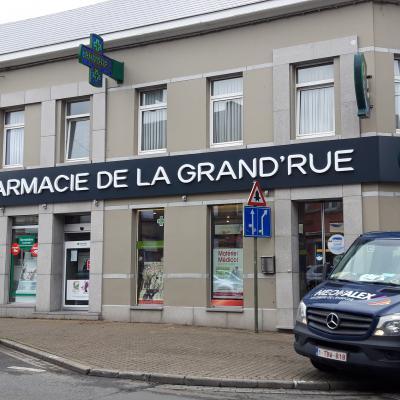 Enseigne et croix de pharmacie - Pharmacie de la Grand-rue