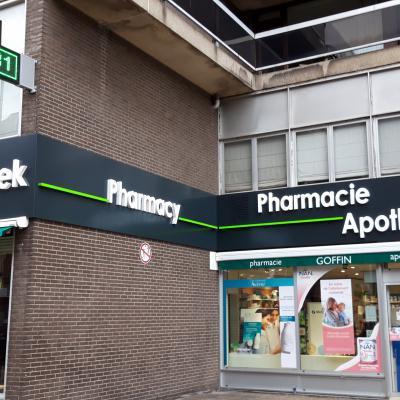 Enseigne et croix de pharmacie - Pharmacie Goffin