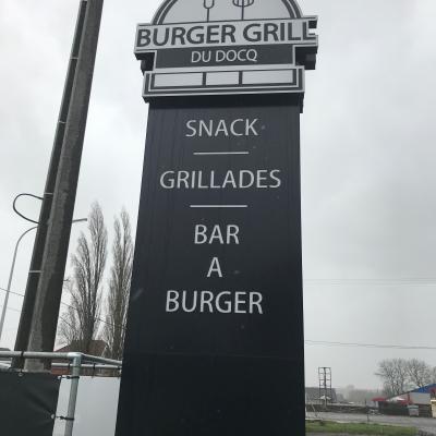 Totems extérieurs Burger Grill