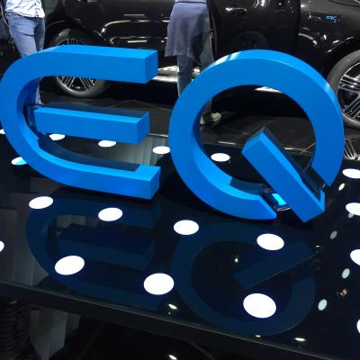 Lettres en relief EQ Mercedes