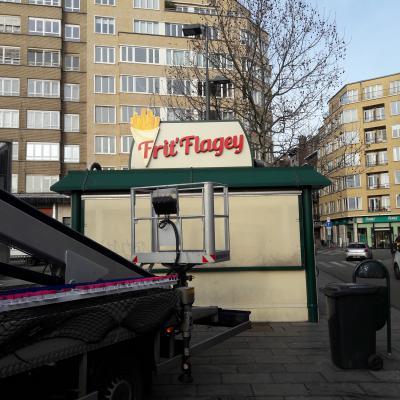 Habillage de façade - Friterie Flagey