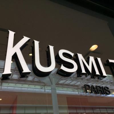 Lettres en relief Kusmi Tea