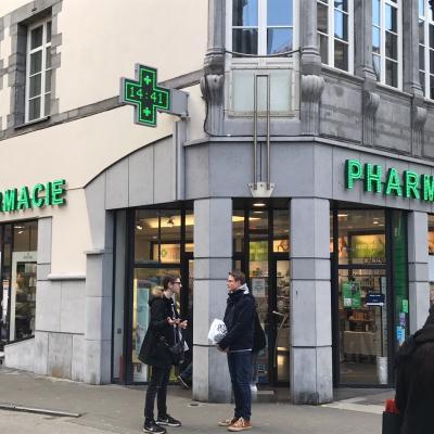 Enseigne et croix de pharmacie Pharmacie Namur