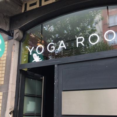 Néon et créations artistiques YogaRoo